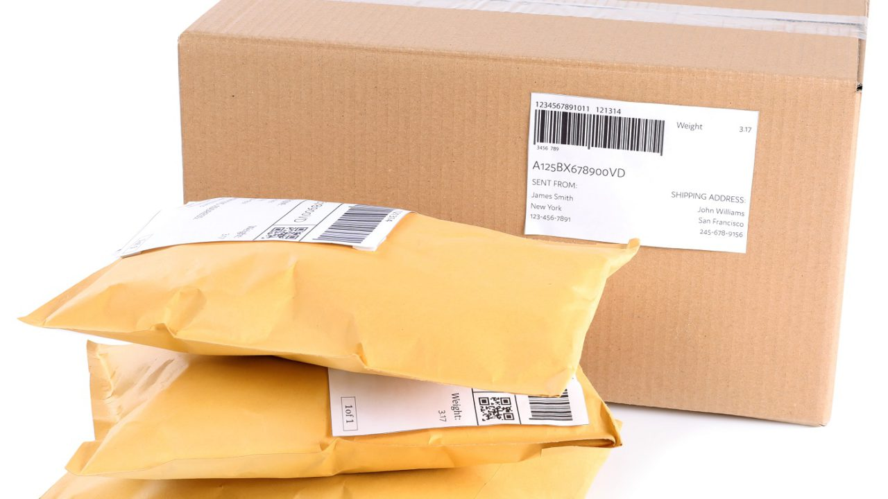 How to Reduce Shipping Costs Using a Mail or Shipping Consolidator